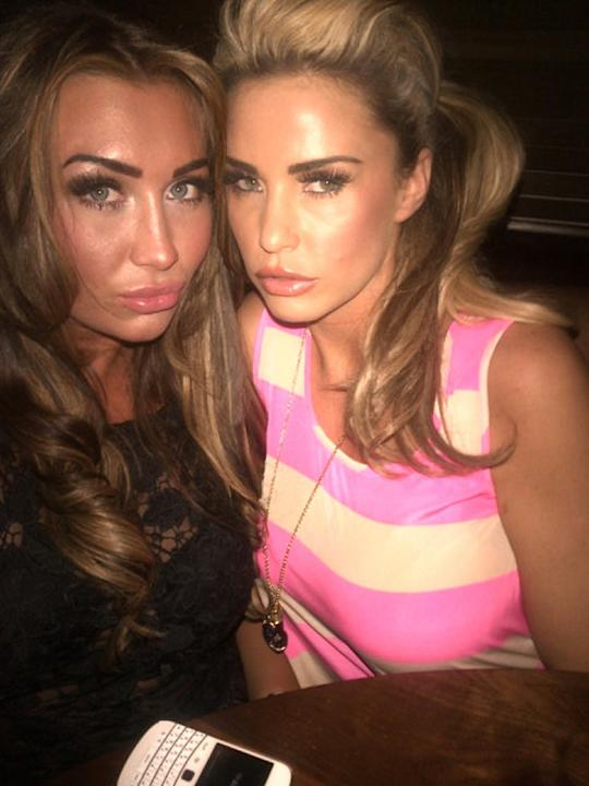 "Celebrity photos: It looks like TOWIE star Lauren Goodger has found herself a new BFF in the shape of Katie Price. Katie tweeted this photo of the pair together, saying: ""Having dinner with @laurengoo"