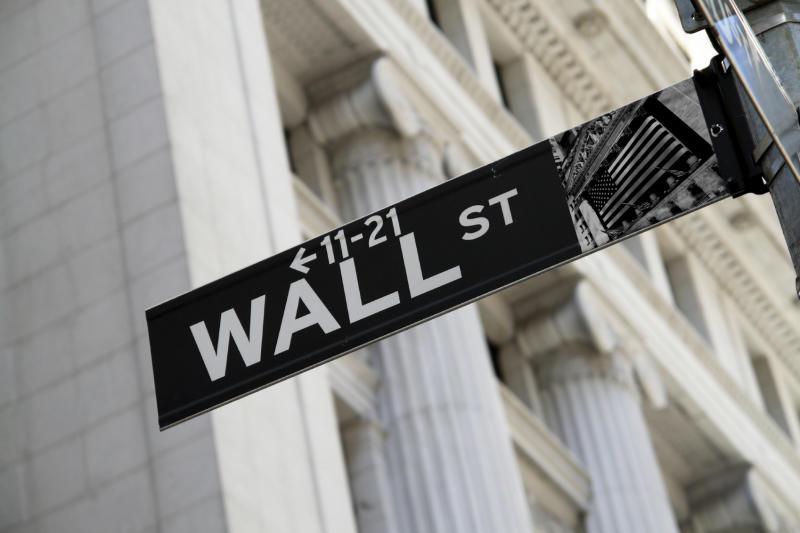 Wall Street non si sbilancia dopo il triplo record