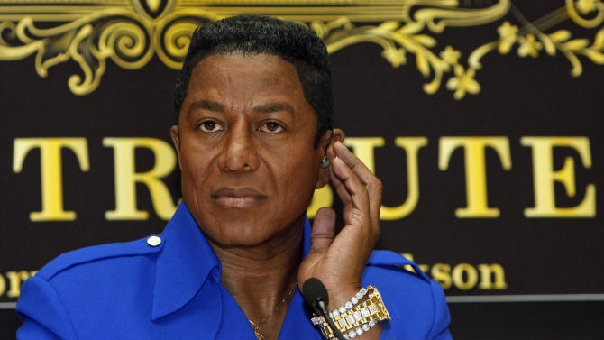 "FILE - In this Sept. 11, 2009 file photo, Jermaine Jackson, brother of late U.S. ""King of Pop"" Michael Jackson, is seen during a news conference in Vienna, Austria. Jermaine Jackson said, Wednesday, August 1, 2012, that he regretted the recent public turmoil that has embroiled his family and called for them to work out their issues in private. He also said he no longer supported a letter calling on the estate's executors to step down. (AP Photo/Ronald Zak, File)"