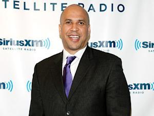 """Cory Booker Rescues Woman in Fire, Suffers """"Minor"""" Injuries"""