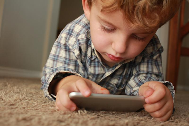 Así es cómo la tecnología está modificando el cerebro de los niños