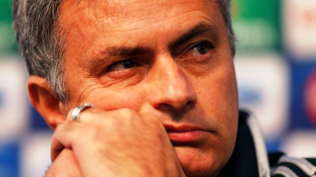 Liga - Mourinho ignores unity calls, says Lopez is better than Casillas