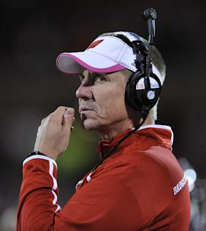 Wisconsin coach Anderson turns down Browns