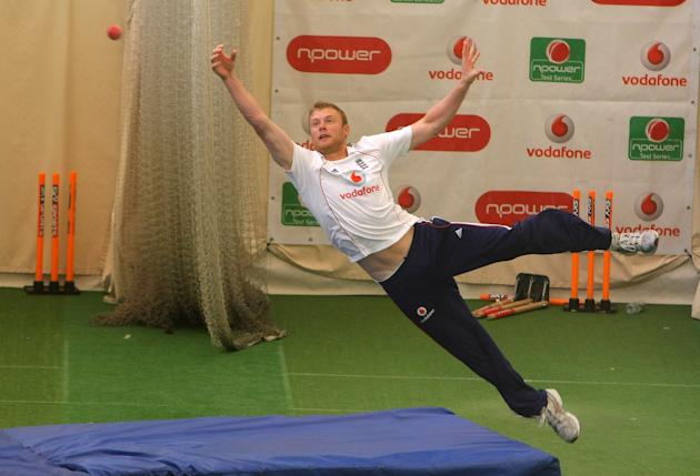 LONDON - JULY 09:  England player Andrew Flintoff dives to make a catch during  England nets today ahead of tomorrows first Npower test match between England and South Africa at Lords, on July 9,  200
