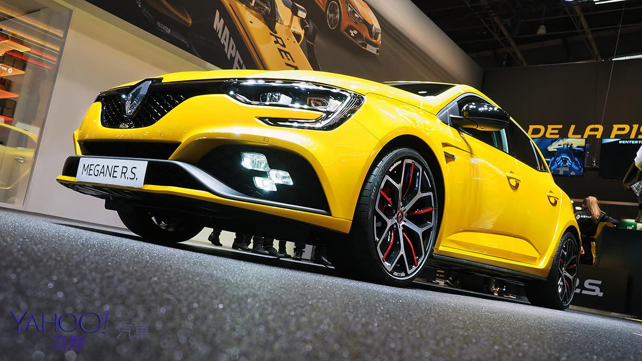 【巴黎車展圖輯】以未來駕馭未來!Renault豪華自駕概念車EZ-Ultimo協同法系最速前驅Megane RS出擊!