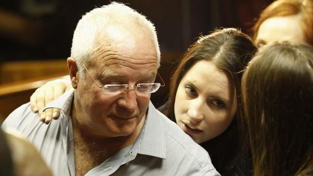 Pistorius case - Pistorius family 'deeply concerned' by father's comments