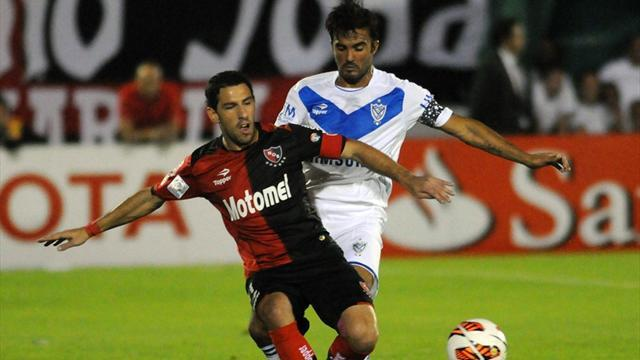South American Football - Velez strike first in Newell's Libertadores clash