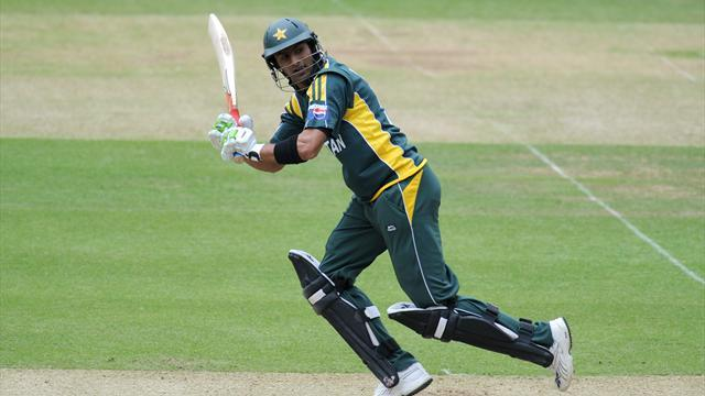 Cricket - Malik guides Pakistan home