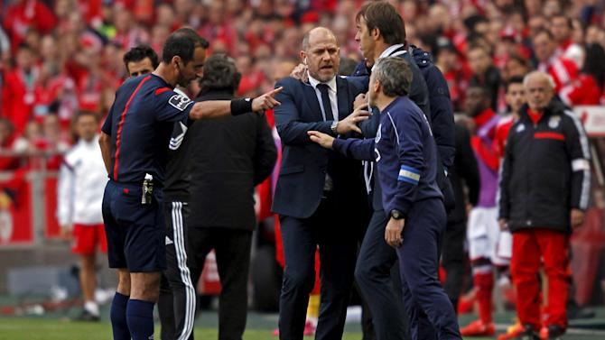 European Football - Coaches clash after Porto draw edges Benfica towards title