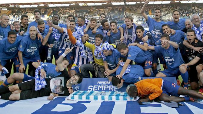 Liga - Deportivo win promotion to Liga