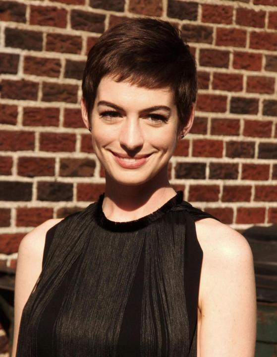 Anne Hathaway arriva al 'The Late Show With David Letterman'