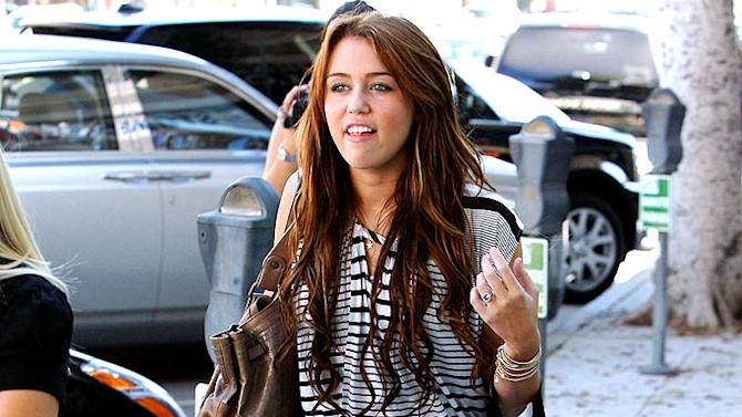 Cyrus Miley Shopping