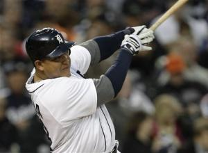 Cabrera hits 2 long HRs, Tigers edge Yankees 4-3