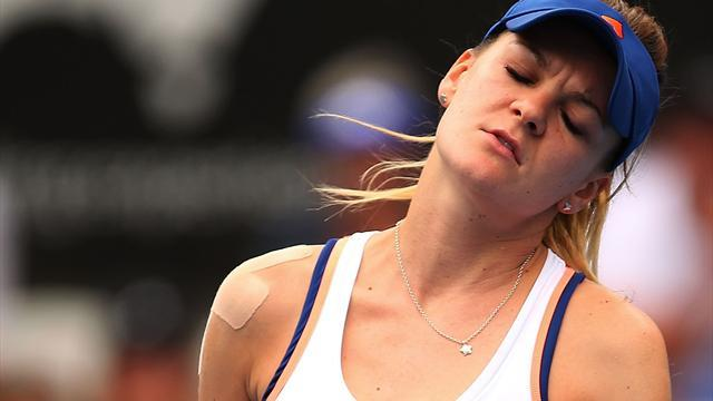 Tennis - Radwanska, Wozniacki bundled out early in Sydney