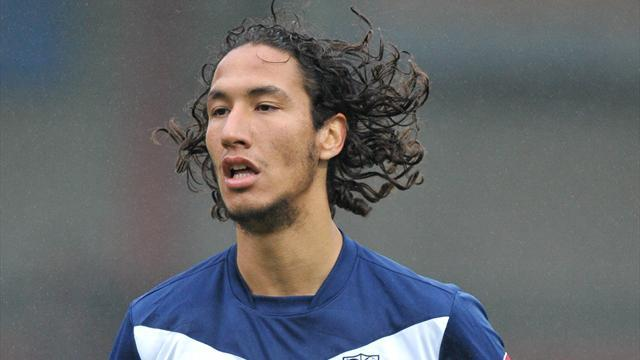 Football - Mohsni back at Shrimpers