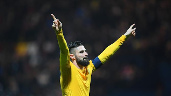 Arsenal assess Giroud as Walcott ruled out of Burnley clash