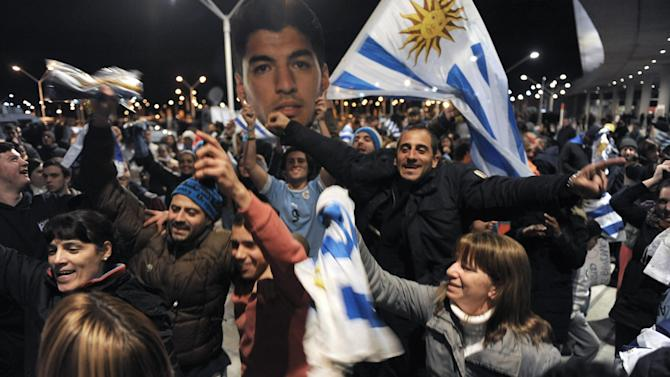 World Cup - 'Barbaric' punishment treats Suarez 'like a dog'