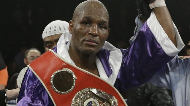 Boxing - Hopkins wins light heavyweight title at 48