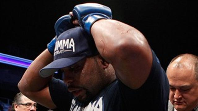 Mixed Martial Arts - Cormier focused on debut against Mir