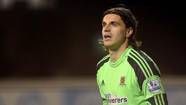League One - Jakupovic makes Leyton Orient switch