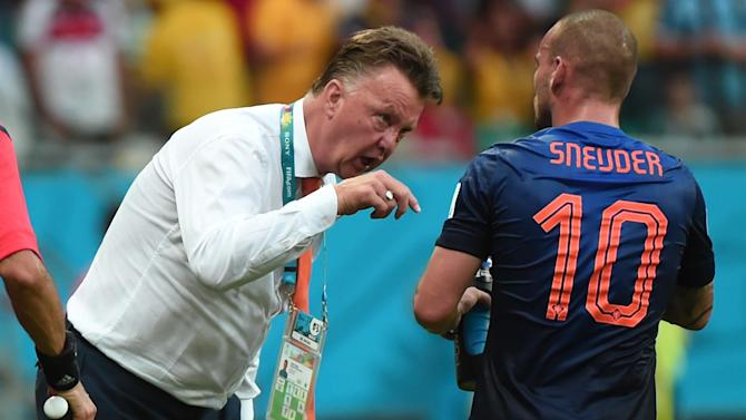 World Cup - Paper Round: Van Gaal accuses FIFA of dirty 'tricks'