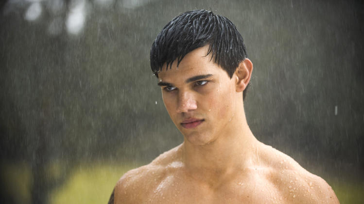 TAYLOR LAUTNER stars in THE TWILIGHT SAGA: NEW MOON.