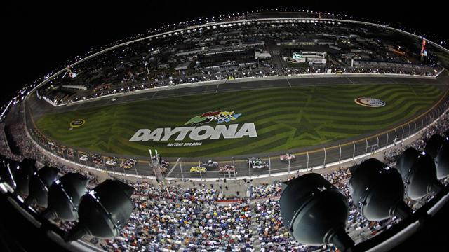Motorsports - Daytona rocked by horror smash