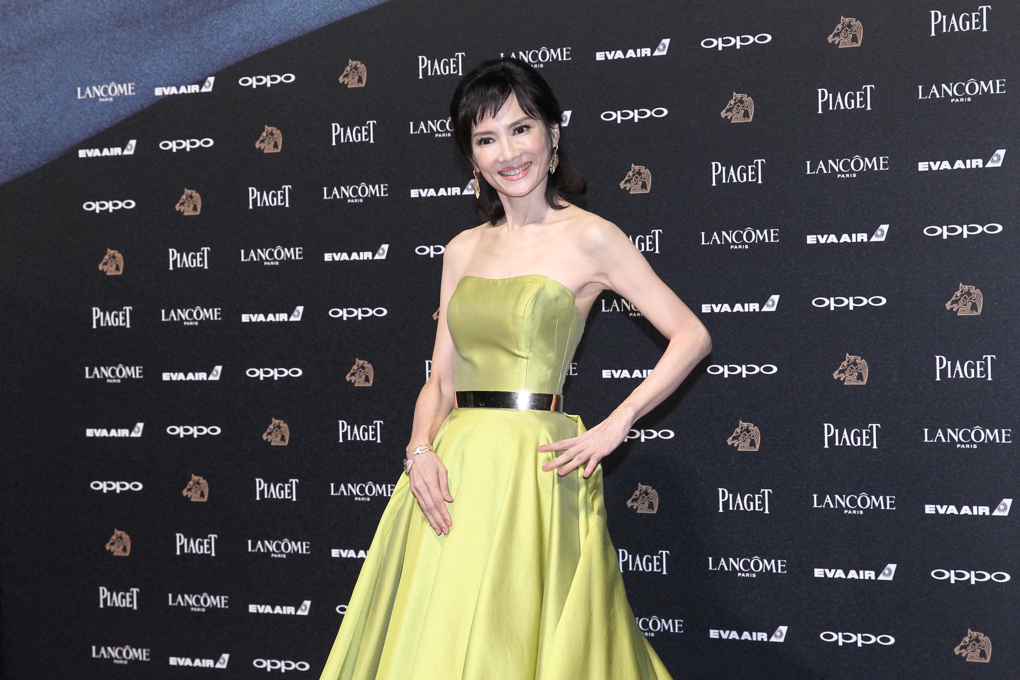 <p>第51屆金馬獎,打敗鞏俐奪影后的陳湘琪,這次又憑《接線員》入圍最佳女主角!她紅毯大膽挑選芥末黃緞面平口洋裝,搭配她纖細的身材,氣場十足!(達志影像) </p>
