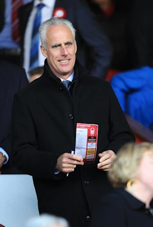 Mick McCarthy has signed a contract until 2015 at Portman Road