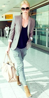 Charlize Theron is the epitome of casual cool, rocking her spring blazer with cargo pants