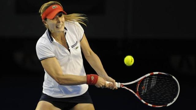 Tennis - Cornet wins opening test in Paris