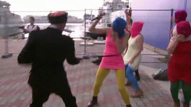 Sochi: Pussy Riot Clash With Police