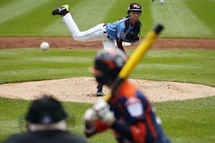 Mo'ne Davis has been clocked at 70 mph. (AP)