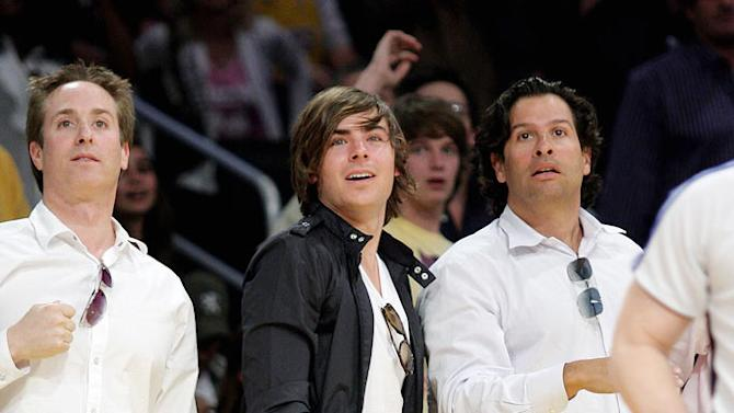 Efron Zac Lakers Game