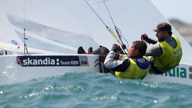 Percy and Simpson shrug off silver