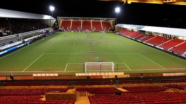 Football - Pars move closer to being saved
