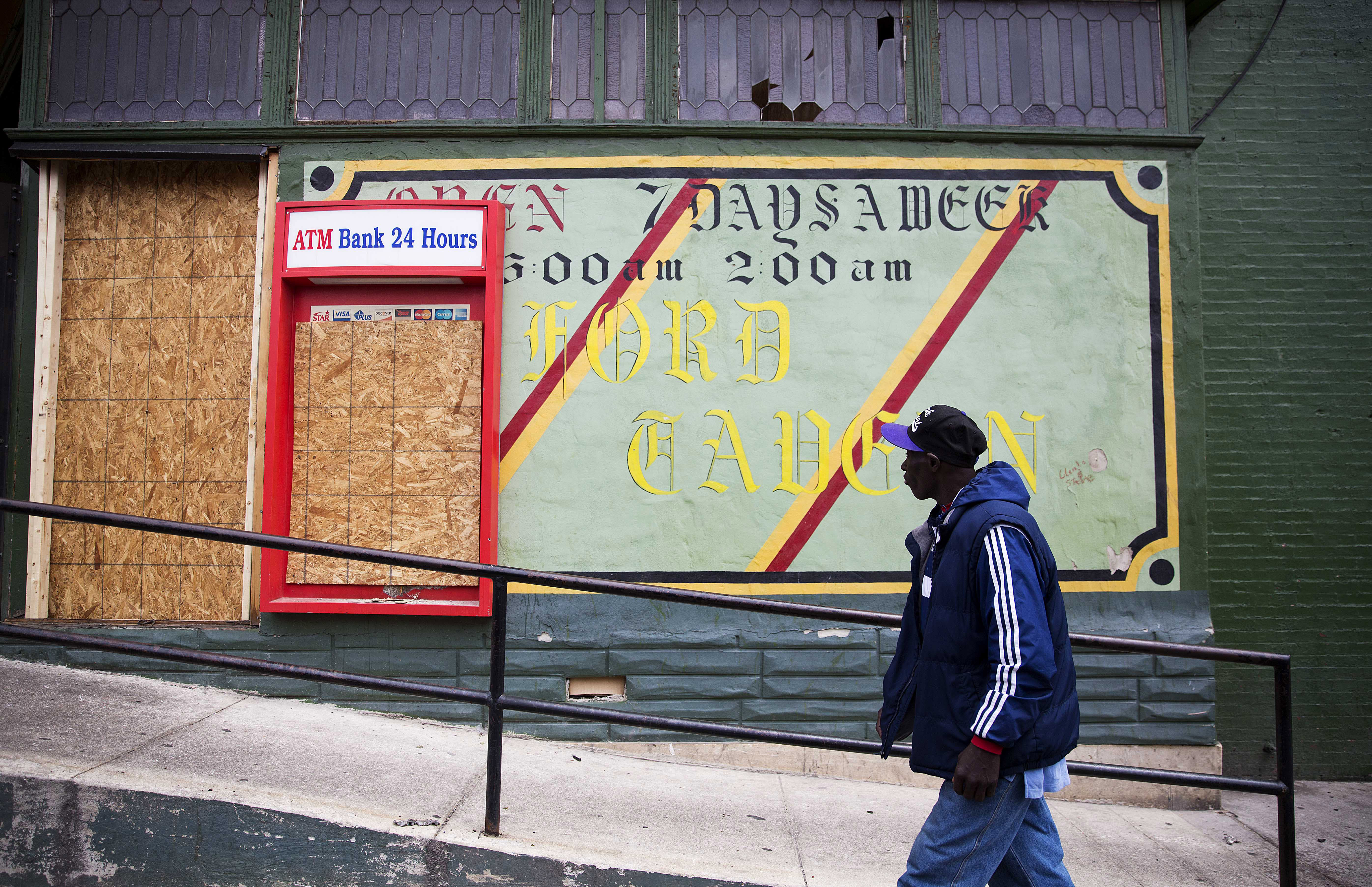 Poverty edging into 2016 presidential race amid city unrest