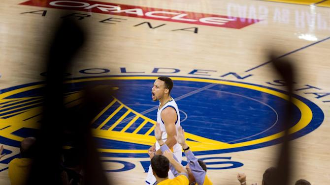 NBA playoff scores 2016: Stephen Curry overcomes everything to keep the Warriors alive