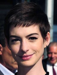 Anne Hathaway cried over haircut