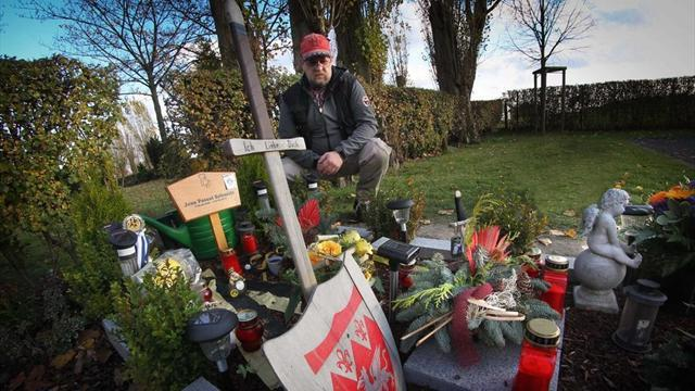 Bundesliga - Facebook campaign wins German boy gravestone