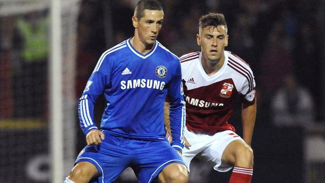 League Cup - Torres shines as Chelsea ease to win at Swindon