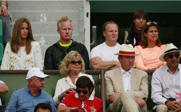 Tennis: Men's Singles -(L-R) Great Britain's Andy Murray's wife Kim Sears, Physio Mark Bender, fitness coach Matt Little and Coach Amelie Mauresmo during his second round match
