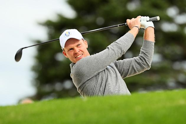 Danny Willett of Europe palys a shot during practice prior to the 2016 Ryder Cup at Hazeltine National Golf Club on September 28, 2016