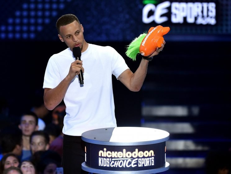 Stephen Curry thanks children for the nice gift they got him. (Kevin Winter/Getty Images)
