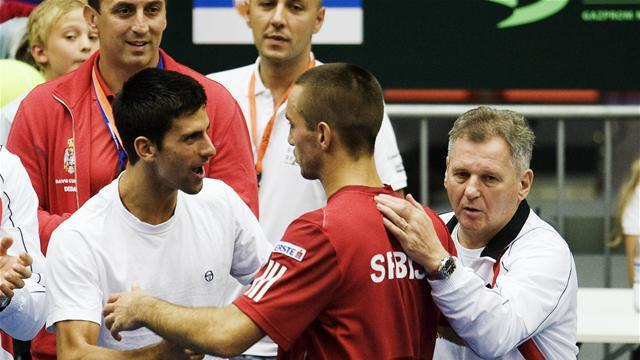 Davis Cup - Djokovic says Serbia players back banned Troicki