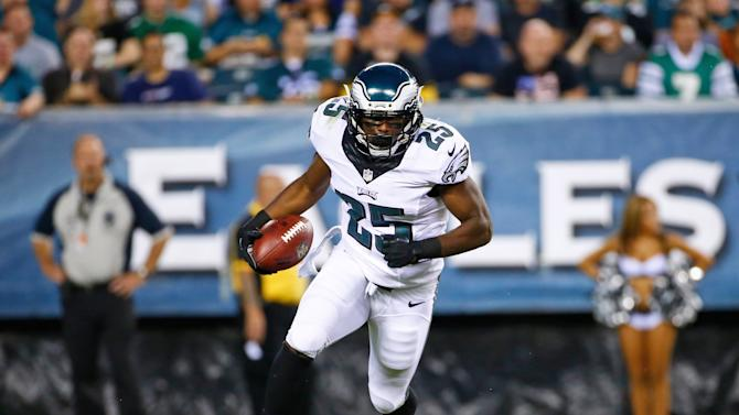 McCoy has sights set on 2,000 yards rushing