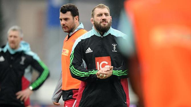 Harlequins' British captain Joe Marler (C) reacts during warm up before the European Champions Cup rugby union match on January 24, 2015 in Castres, France