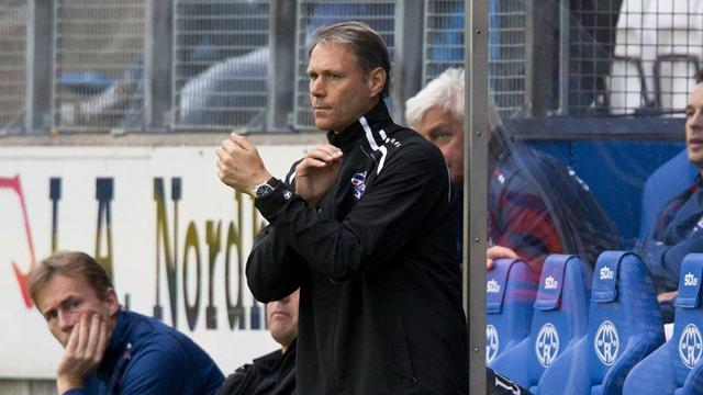 European Football - Van Basten to be unveiled as new AZ Alkmaar coach