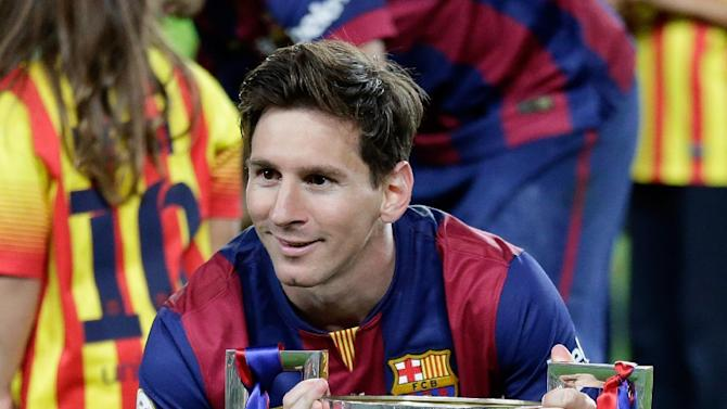 Messi gets 2 to lead Barcelona past Bilbao 3-1 in cup final