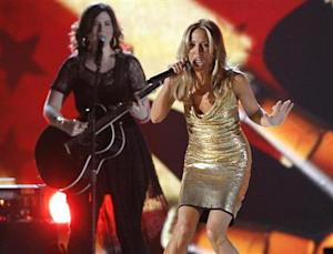 """Sheryl Crow performs """"Boys Round Here"""" at the 48th ACM Awards in Las Vegas"""